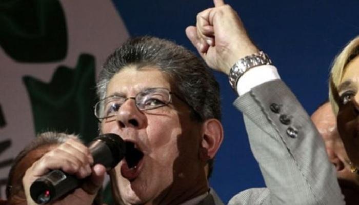 El pasado miércoles se llevó a cabo una Asamblea de Ciudadanos en el Hatillo, desde donde Henry Ramos Allup, amenazó al gobierno constitucional y bolivariano del Presidente Nicolás Maduro.