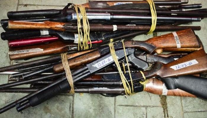 Militante VP con Armas
