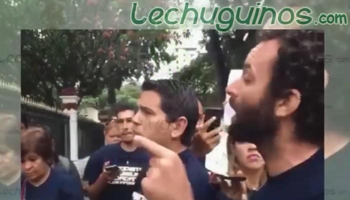 Periodista español opositores