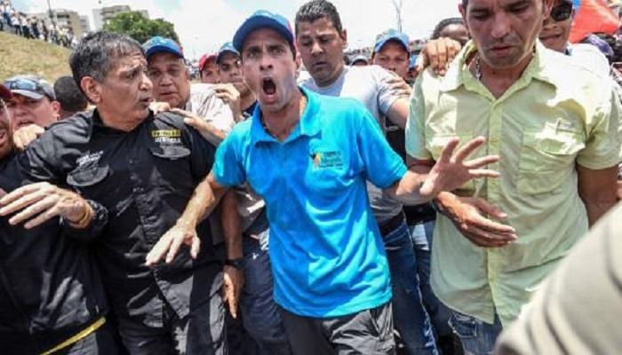 Hambre?  Capriles dirige inmolibiarias en España