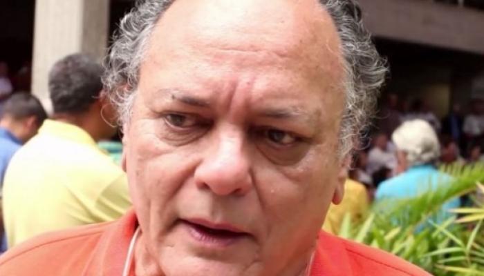 Carlos Raúl