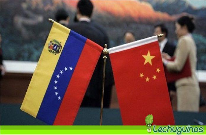 China acoge con satisfacción diálogo entre el Gobierno y oposición de Venezuela