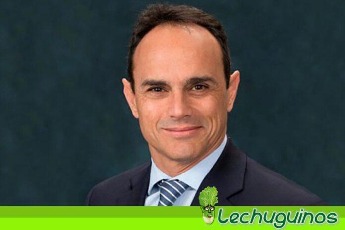 Ricardo villasmil presidente imaginario del bcv le dejó el pelero a Guaidó