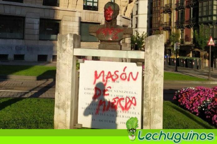 Fascistas atacaron busto de Simón Bolívar en la plaza Venezuela de Bilbao