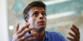 Vea la paliza que le dieron a Leopoldo López tras publicar una foto solo afuera de la CPI