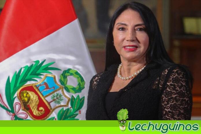 Canciller de Perú renuncia tras haberse vacunado en secreto