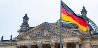 """Parlamento alemán_ es """"ilegal y prematuro"""" reconocer gobierno distinto al del presidente Maduro"""