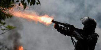 Piden arresto de Iván Duque por aplicar brutal represión en Colombia