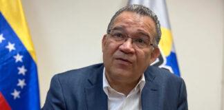 Enrique Márquez actúa como militante opositor y compromete al CNE
