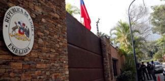 Embajada chilena en Caracas se ha convertido en refugio de terroristas opositores