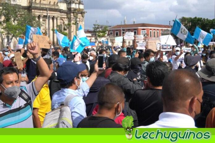 Protestan en Guatemala contra el presidente Alejandro Giammattei